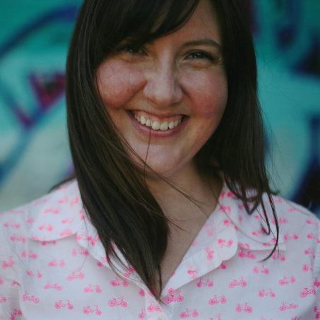 Lesley Sinclair Headshot